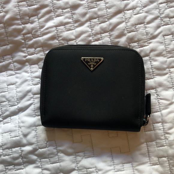 370962de5398 VINTAGE PRADA❗ black nylon wallet. M_5b65ea319e6b5b97806454a9